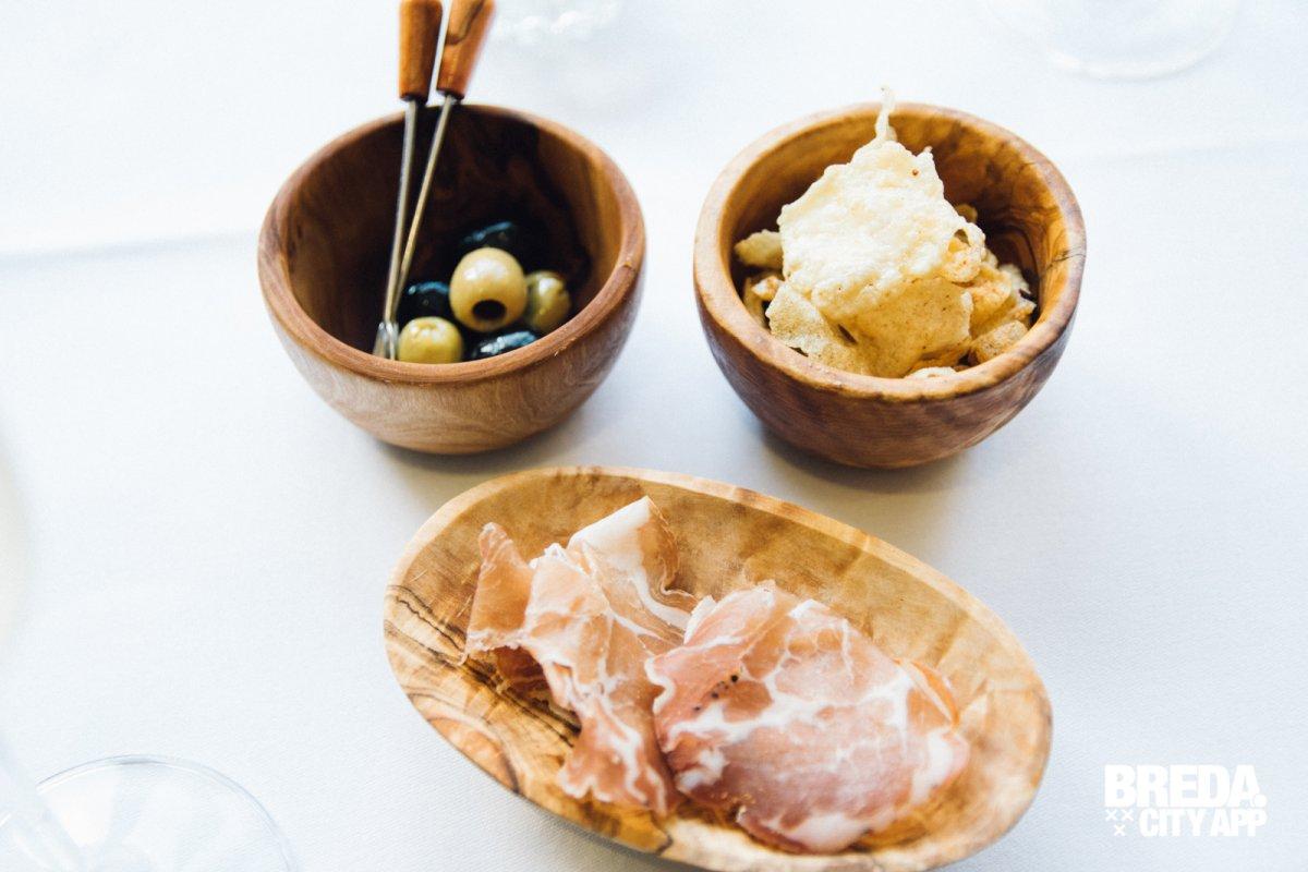 Foodblog diner bij restaurant la providence in baarle nassau stappen shoppen breda for Schilderij huis voorgerecht