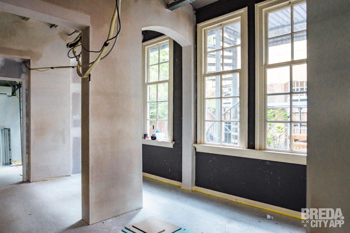 81b16615a28 BLYF opende eerder deze maand haar eerste vestiging in Tilburg, waar de  familie Verhaaren vandaan komt. BLYF is een familiebedrijf met veel ambitie  en zal ...